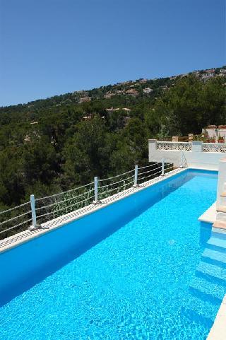Familien Villa Montport mit 12 Meter Fitness-Pool
