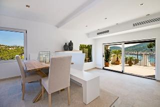 Sold! Villa mit Blick über den Yachtclub de Vela
