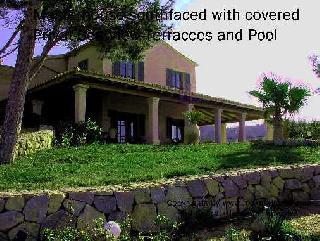 Villa mit 4 Gästehäusern & Kirche!!!