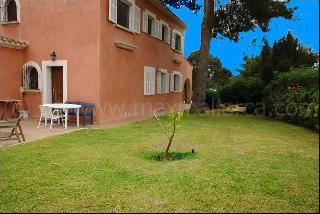 Familien-Villa mit schönem großen Garten